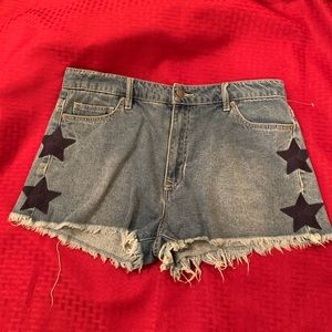Chelsea & Violet jean shorts size 31 with 4 stars
